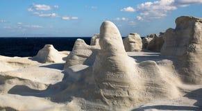 月亮风景-在芦粟海岛上的矿物形成爱琴海的 免版税库存照片