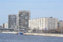 10月堤防在圣彼德堡 图库摄影