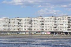 10月堤防在圣彼德堡 库存图片