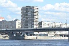 10月堤防在圣彼德堡 免版税库存照片