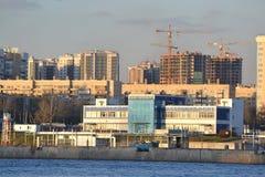 10月堤防在彼得斯堡 免版税图库摄影