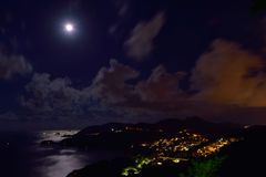 满月夜在Sai Kung 库存照片