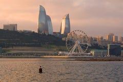 12月微明在现代巴库 阿塞拜疆 图库摄影