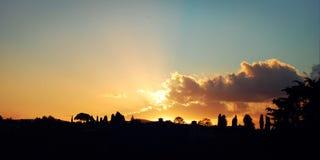 10月日落在佛罗伦萨-葡萄酒作用 风景看法减速火箭的照片 免版税库存照片