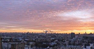 2月日落在莫斯科 免版税库存照片