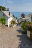 7月热浪在英国看见游人聚集到Clovelly德文郡 免版税图库摄影