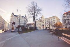 12月的26日在Rathaus地铁车站,维也纳附近的早晨2015 免版税图库摄影