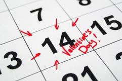 2月第14与一副红色铅笔图的标记 免版税库存照片