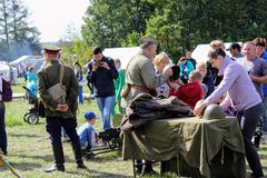 ` 9月, 16 2017年,图拉,俄罗斯-国际军事和历史节日` Kulikovo领域:观察者和参加者 库存图片