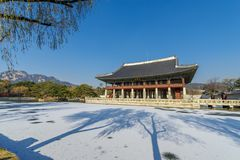 12月6,2017在Gyeonghoeru的Sonwing在Gyeongbok宫殿,汉城 库存图片