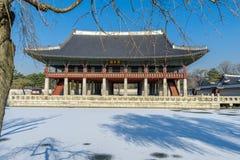 12月6,2017在Gyeonghoeru的Sonwing在Gyeongbok宫殿,汉城 图库摄影