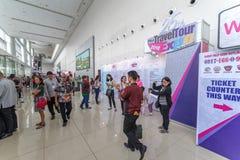 2月10,2018客人参与旅行游览商展 库存图片