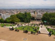 从Sacre Coeur的看法对巴黎市Motmartre区。 2012 06 19巴黎。 免版税库存图片
