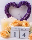 2月14日与花的背景 免版税库存图片