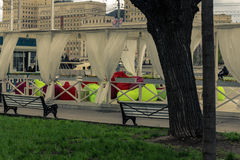 2015年5月4日俄罗斯,莫斯科步行在以高尔基命名的公园 图库摄影