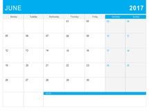 6月2017日历& x28; 或者书桌planner& x29;笔记 免版税库存照片
