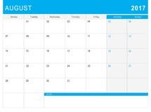 8月2017日历& x28; 或者书桌planner& x29;笔记 免版税库存照片
