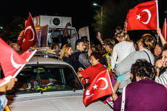 8月30日土耳其胜利天游行在晚上 免版税库存照片