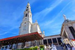 5月13日庆祝念珠法蒂玛葡萄牙的夫人玛丽大教堂  免版税库存照片