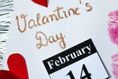 2月14日情人节-从红色纸的心脏 免版税库存图片