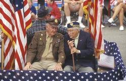 7月4日游行的退役军人, Cayucos,加利福尼亚 免版税库存图片
