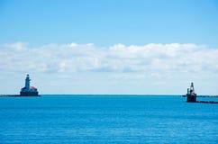从2014年9月22日的海军码头看见的芝加哥港口灯塔 免版税图库摄影