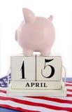 4月15日美国的日历提示收税天 免版税库存照片