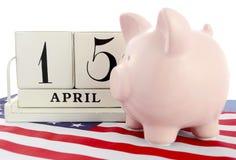 4月15日美国的日历提示收税天 免版税库存图片