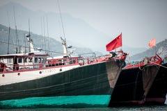 2017年1月01日长洲岛,香港:中国停车处传统捕鱼船在港口 库存图片