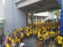 2016年11月19日,吉隆坡Malaysia's Bersih 5集会:抗议者斟酌行动的费用在强制统治下 图库摄影