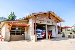 2018 8月10日,磨房谷/加州/美国-马林县消防队-位于马林县的Throckmorton里奇驻地,北部 图库摄影