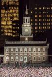 2016年11月7日,美国独立纪念馆,菲尔 PA -数千参加竞选伊芙出去与布鲁斯S的表决集会的希拉里・克林顿 免版税库存照片