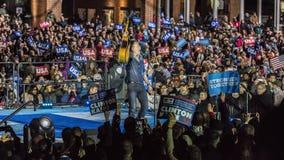 2016年11月7日,美国独立纪念馆,音乐家布鲁斯・斯普林斯廷执行在以双为特色的希拉里・克林顿的一次竞选前夕集会 免版税库存图片
