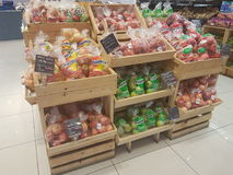 2017年7月4日, Selayang雪兰莪 果子在Jaya菜市场超级市场显示 库存照片
