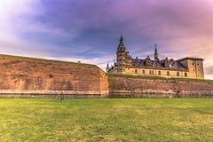2016年12月03日:克伦堡城堡, Denm护城河的全景  库存图片