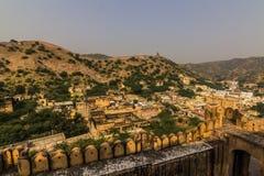 2014年11月04日:在琥珀色的堡垒附近的风景在斋浦尔 库存图片