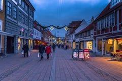 2016年12月03日:在赫尔新哥,丹麦老镇的晚上  库存图片