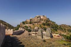 2014年11月08日:在Kumbhalgarh堡垒,印度的印度寺庙 免版税库存图片