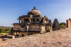 2014年11月08日:在Kumbhalgarh堡垒,印度的印度寺庙 免版税库存照片