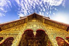2014年9月20日:对山楂Pha轰隆寺庙的入口在Luang 免版税库存照片