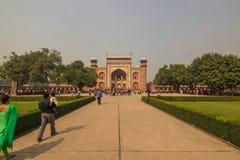 2014年11月02日:对泰姬陵的入口在阿格拉,印度 免版税库存照片