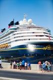 2014年9月8日:巡航划线员迪斯尼魔术靠了码头在马拉加,西班牙港  库存图片