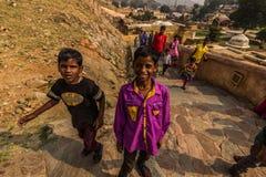 2014年11月04日:斋浦尔的孩子入口的对Amb 库存图片