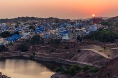 2014年11月05日:日落在乔德普尔城,印度 图库摄影