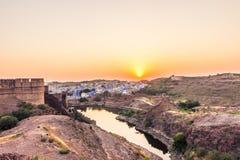 2014年11月05日:日落在乔德普尔城,印度 免版税库存图片