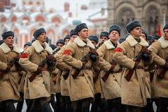 2016年11月05日:游行的礼服排练,热忱对1941年11月7日在红场在莫斯科 图库摄影