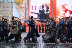 2016年11月05日:游行的礼服排练,热忱对1941年11月7日在红场在莫斯科 库存图片