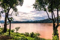 2014年9月20日:湄公河在琅勃拉邦,老挝 库存照片