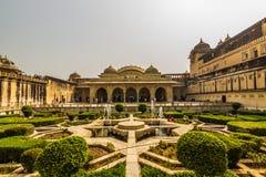 2014年11月04日:琥珀色的堡垒的庭院在斋浦尔,印度 免版税库存照片