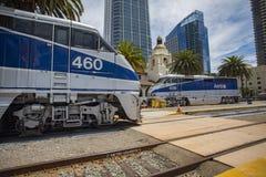 2016年5月06日:美国国家铁路公司#460和美国国家铁路公司#456 免版税库存图片